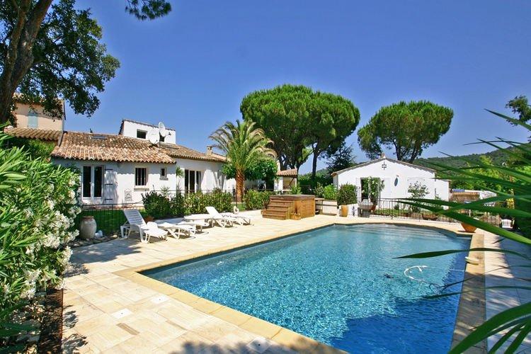 Villa agathe vakantiehuizen met priv zwembad for Zwembad prive