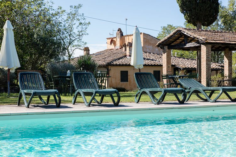 Montegiulia vakantiehuizen met priv zwembad for Zwembad prive