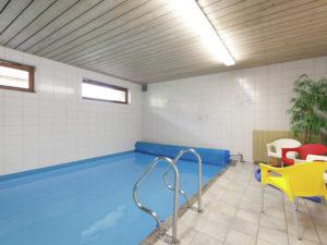 PoolOfHouse